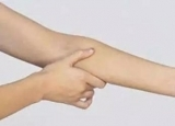 老中医建议闲时多拍打身体这几个部位养生